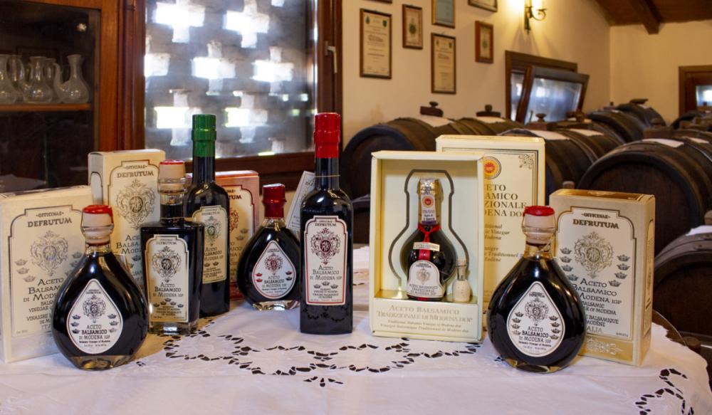 VITTORIA: Balsamic Vinegar of Modena - Serie 3 Crowns 250ml - 2